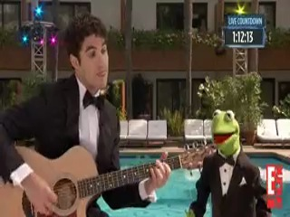 Darren Criss & Kermit the Frog � The Rainbow Connection